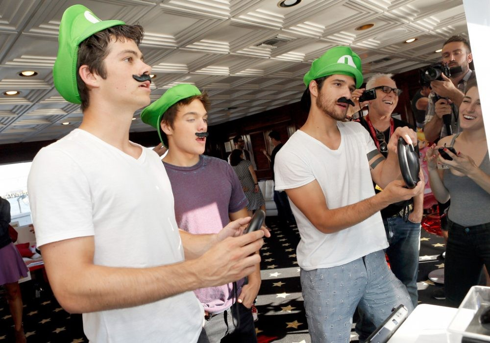 Tyler Posey, Dylan O'Brien, and Dylan Sprayberry party in the Nintendo Lounge at SDCC